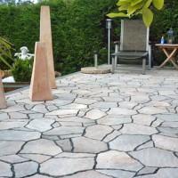 Terrassengestaltung mit Natursteinen